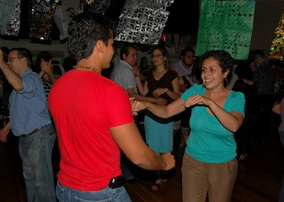 Portland Jobs with Justice and VOZ supporters enjoy salsa lessons together