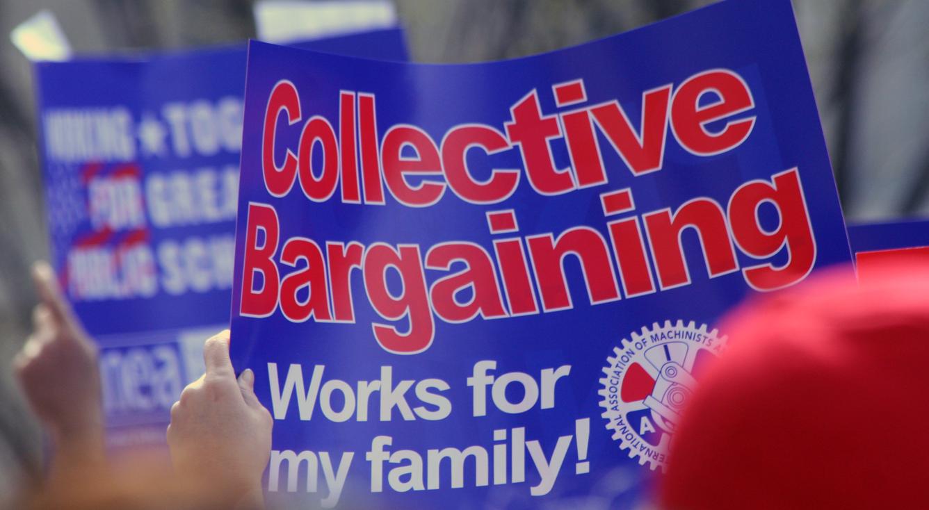 issue_unionscollectivebargaining_left