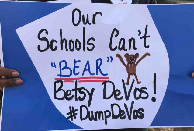devos_protest